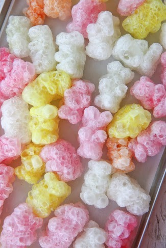 Freeze-dried gummy bears
